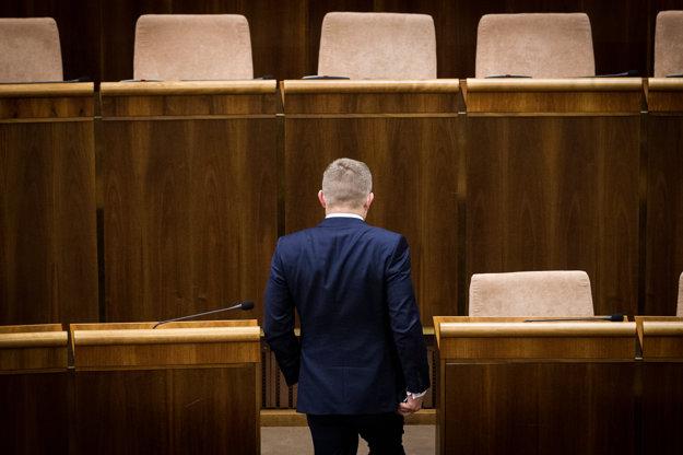 Fico odchádza z parlamentu.