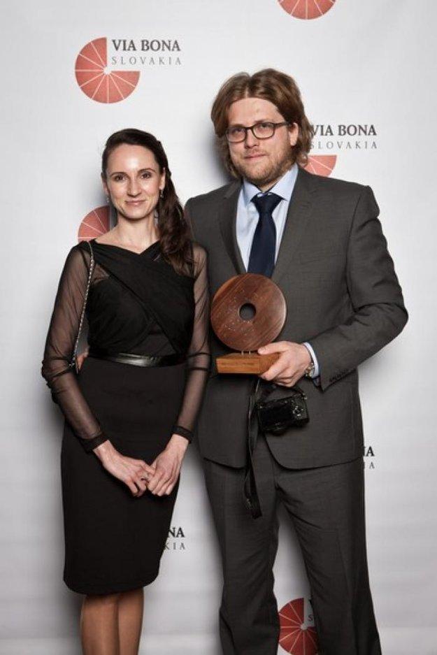 Michal Hrčka s ocenením.