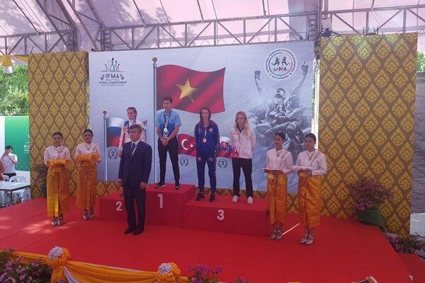 Monika Chochlíková (v modrom) získala bronzovú medailu.