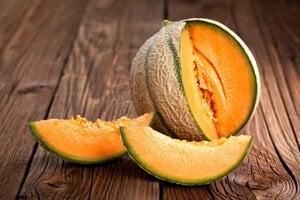 Jeden veľký mesiačik žltého melónu má v sebe približne dve desatiny dennej dávky vitamínu A.