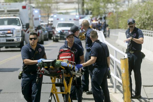Streľba v El Pase si vyžiadal minimálne dvadsať obetí. Foro:TASR/AP