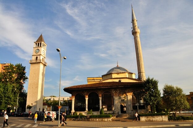 Mešita Ethem Bey v centre Tirany