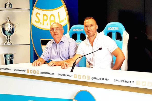 Majiteľ FC ViOn Viliam Ondrejka a športový manažér Juraj Koprda na návšteve v talianskom prvoligovom klube SPAL Ferrara.