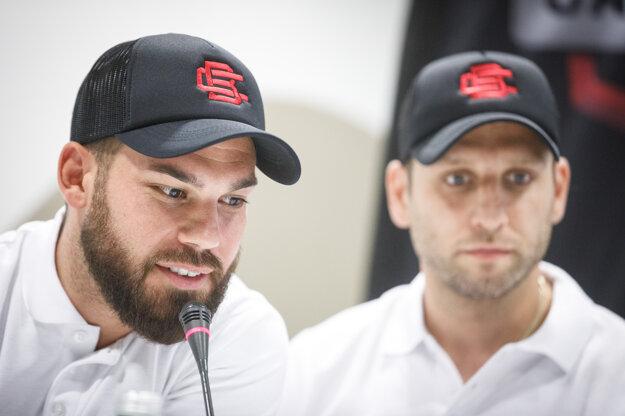 K lídrom Bratislava Capitals budú patriť Marek Slovák (vľavo) a Karol Sloboda.
