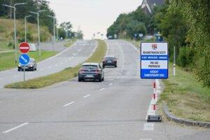 Frekventovaná cesta okolo Zemplínskej šíravy sa dočká obnovy.