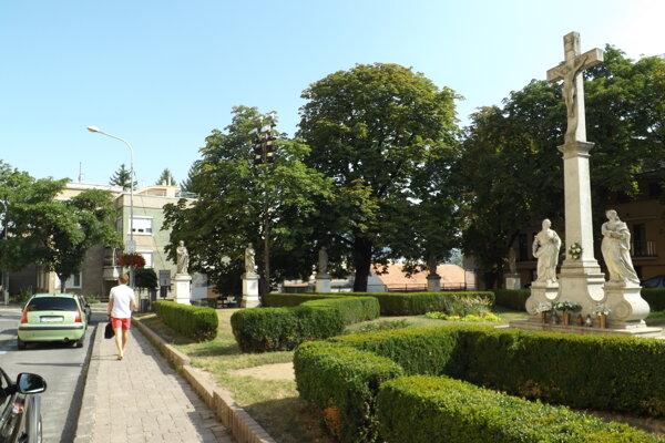 Vijačka napadla aj krušpán na Cyrilometodskom námestí.