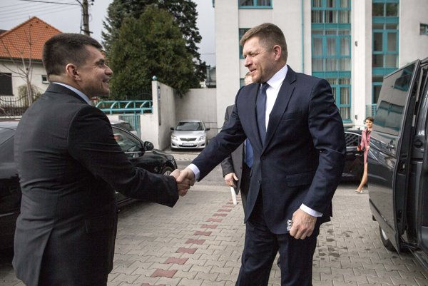Premiér Fico uviedol nového ministra školstva Petra Plavčana.