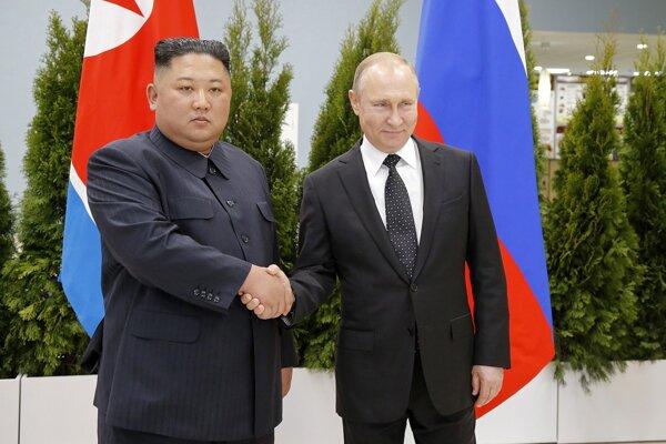 Severokórejský vodca Kim Čon-un a ruský prezident Vladimir Putin.