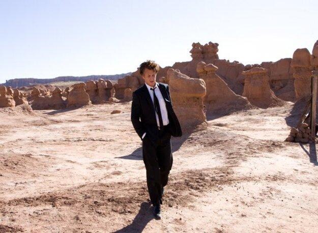 Sean Penn vo filme Strom života.