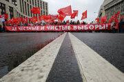 V meste sa zišli aj komunisti a ďalší podporovatelia ľavice, ktorí sú verní systému, a dožadovali sa slobodných a čestných volieb.