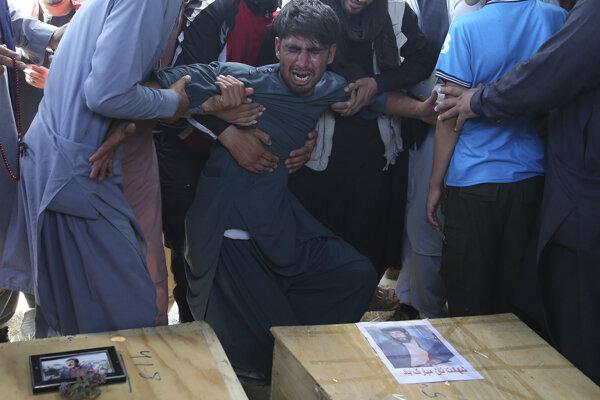 Pri útoku zahynulo najmenej 63 osôb.