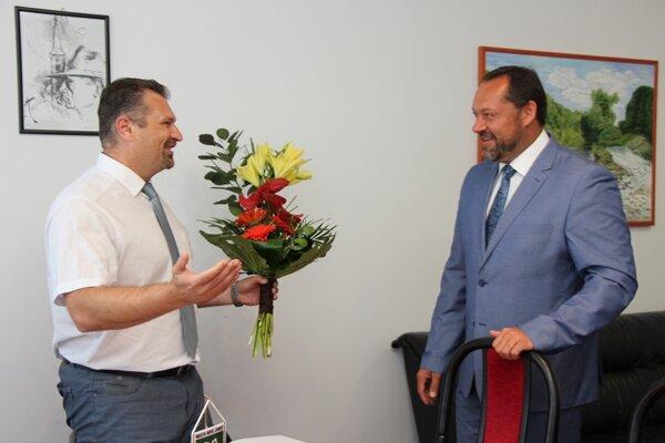 Rada školy nedávno zvolila nového riaditeľa ZŠ G. Czuczora.