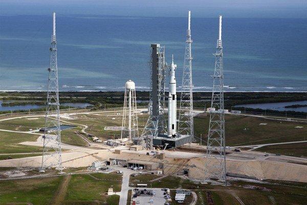 Ďaleké cesty do kozmu umožní až nová nosná raketa SLS.