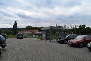 Kryté parkovisko pre bicykle vzniklo aj pri lanovom centre na Sídlisku III.