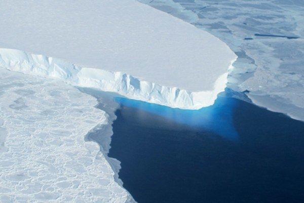 Bude trvať stáročia, kým sa ľadovcový štít úplne rozpadne. No už sa to nedá zvrátiť.