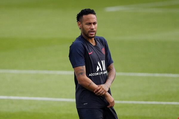 Neymar počas tréningu PSG.