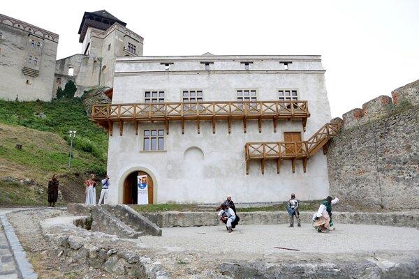 Budova historických kasární.
