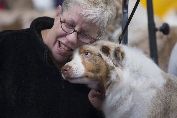 To, ako vnímajú psy slová, zatiaľ vedci neskúmali. Zistili však, že sa vedia vcítiť do nálady svojich pánov.