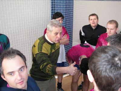futbalisti tatrana č. balog (vľavo) vo svojom úvodnom vystúpení uspeli, keď hladko zdolali riečku.