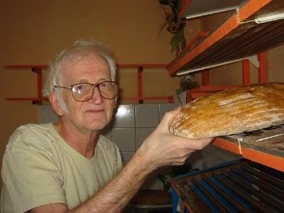 pavol perichta je v hronci známy svojim chlebom