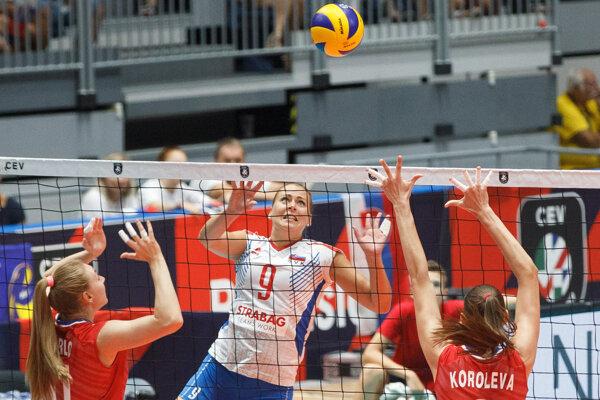 Jaroslava Pencová (9) v zápase proti Rusku na ME vo volejbale žien 2019.