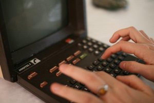 Minitel v 80. rokoch Francúzom naznačil, ako budú raz surfovať na internete.