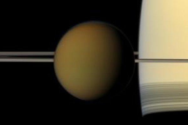 Najväčší mesiac planéty Saturn Titan.