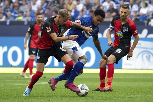 Ondrej Duda počas zápasu.