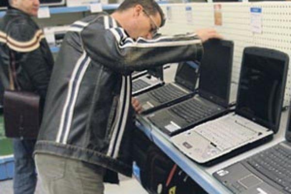 Odolné materiály sú dôležité pri často prenášaných notebookoch.