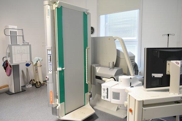 Nový prístroj v nemocnici.
