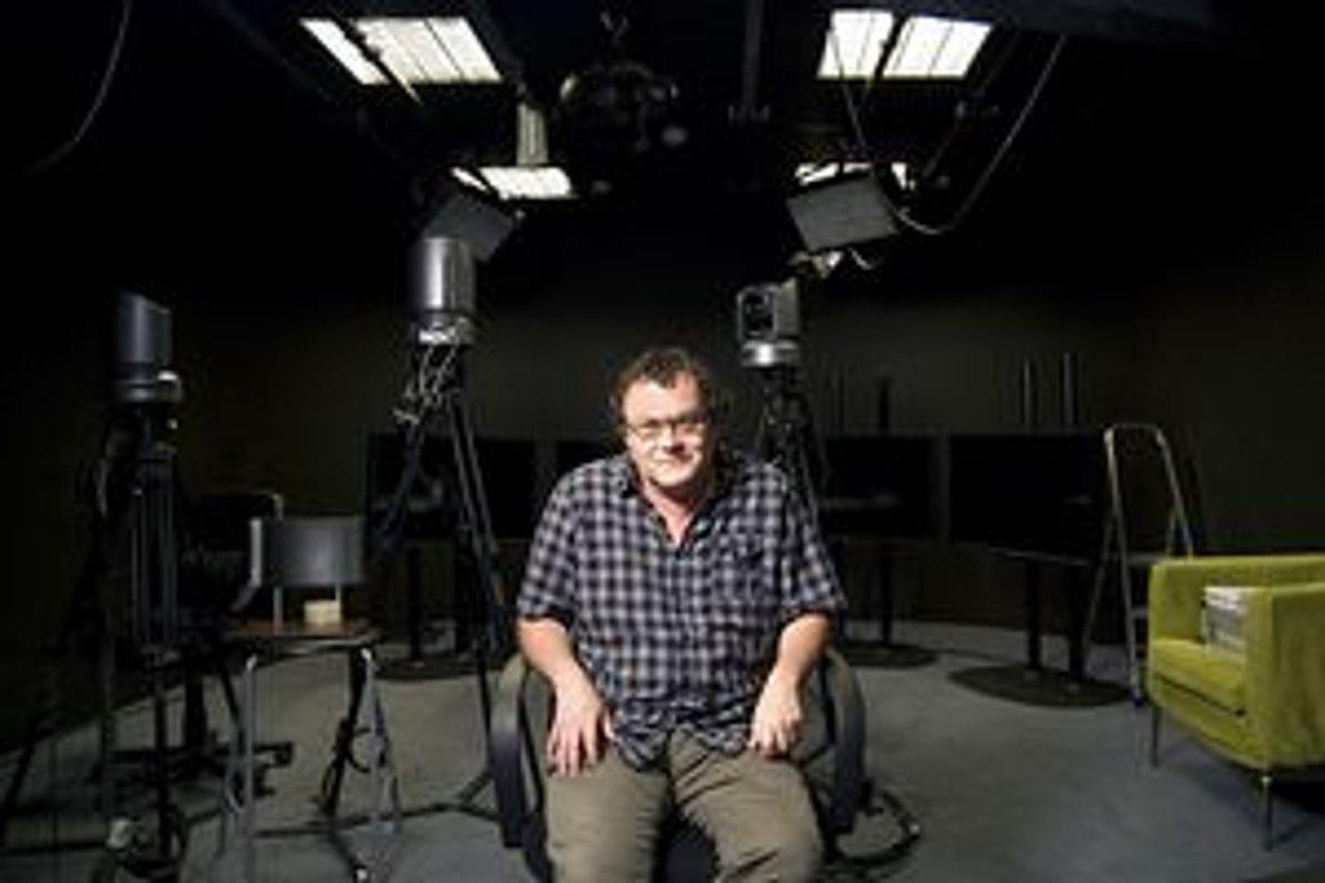 Martin Mojžiš je docentom na katedre teoretickej fyziky a didaktiky fyziky  FMFI UK. Zároveň je c2e5391fa30