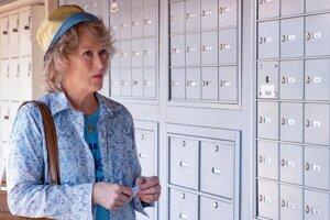 Meryl Streep vo filme The Laundromat. Nakrútil ho Steven Soderbergh, reč je v ňom o Panama Papers.