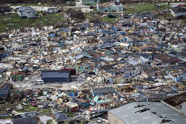 Zničené domy na ostrove Great Abaco.