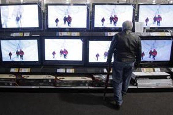 Digitálne vysielanie, ktoré začalo nahrádzať analógové, sa dá naladiť len na novších televízoroch či cez settop box.