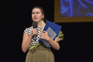 Víťazka kategórie Najpopulárnejšia herečka Katarína Rozkošová.