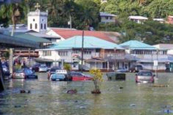 Zaplavené ulice mesta Fagatogo na Americkej Samoe.