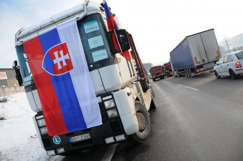 kamiony-bb_4_tasr.jpg