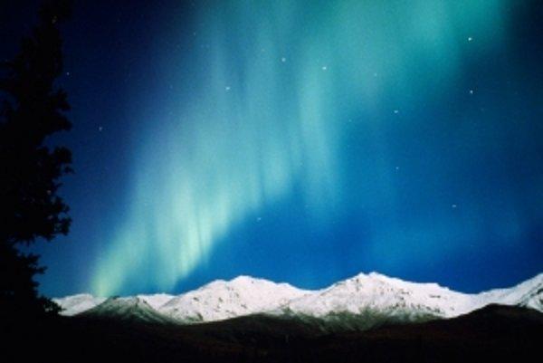 Takto vidieť polárnu žiaru na Aljaške.