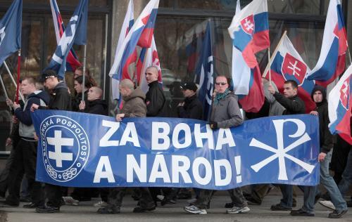 neonacisti_3_sme.jpg