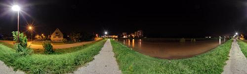 Rozvodnená Nitra z nábrežia oproti Šípku