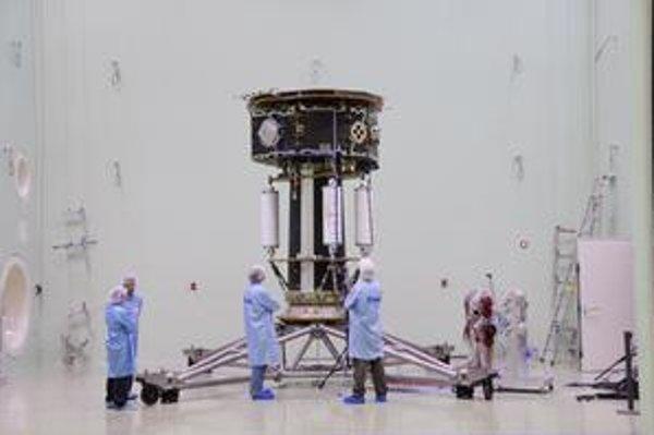 Vedci testujú sondu LISA Pathfinder.