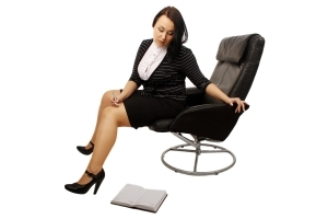 1269294_girl_lies_in_an_armchair_and_reads_3.jpg