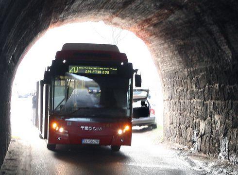 sm-0311-003f-bus.rw-r947_res.jpg