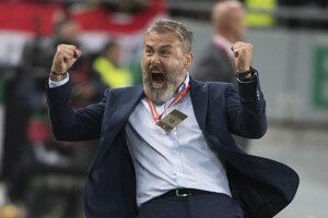 Radosť trénera Slovenska Pavla Hapala po víťazstve 2:1 v zápase kvalifikácie na EURO 2020 Maďarsko – Slovensko.