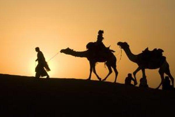Ťavy sú stále symbolom Orientu. Okrem toho, že slúžia ako dopravný prostriedok, ich chovajú pre mäso či na preteky.
