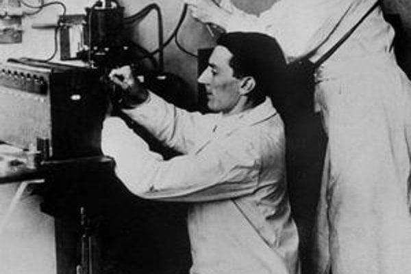 Frédéric Joliot a Iréne Curie.