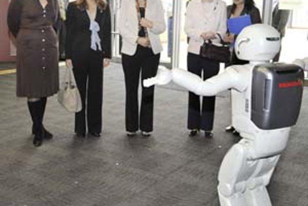 Robot môže človeka nahradiť v mnohých činnostiach. Dokáže mu však niekedy dokonale porozumieť?