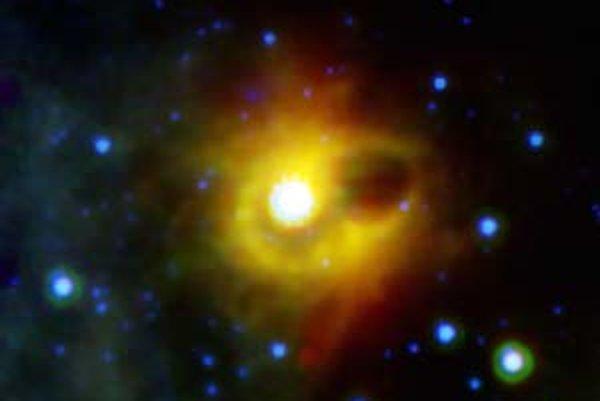 Infračerveno žiariaci prstenec okolo magnetaru SGR 1900+14 na snímke zo Spitzerovho kozmického ďalekohľadu.