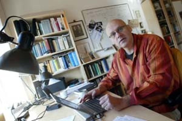 Slovenskí vedci sú dôstojnými pokračovateľmi odkazu SAVU. Tím fyzika Vladimíra Bužeka z Centra pre výskum kvantovej informácie (Fyzikálny ústav SAV) získal tohtoročnú Descartovu cenu, čo je najvyššie ocenenie Európskej komisie za vedu a výskum