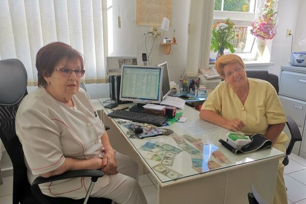 Lekárka Anna Hájeková a sestrička Ľudmila Špaková.